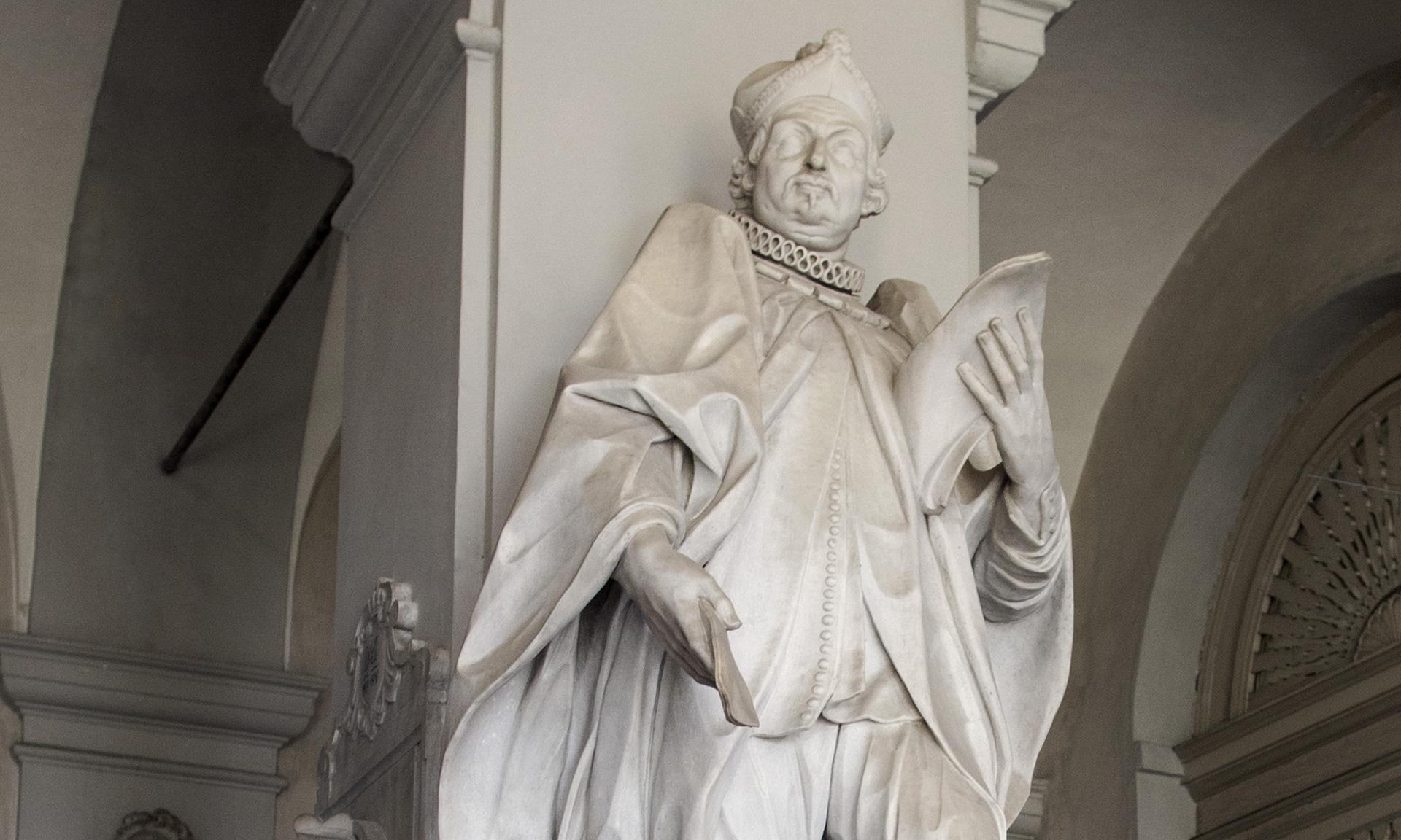 statue_ambrosio-carmagnola_01 - Albergo dei Poveri Genova