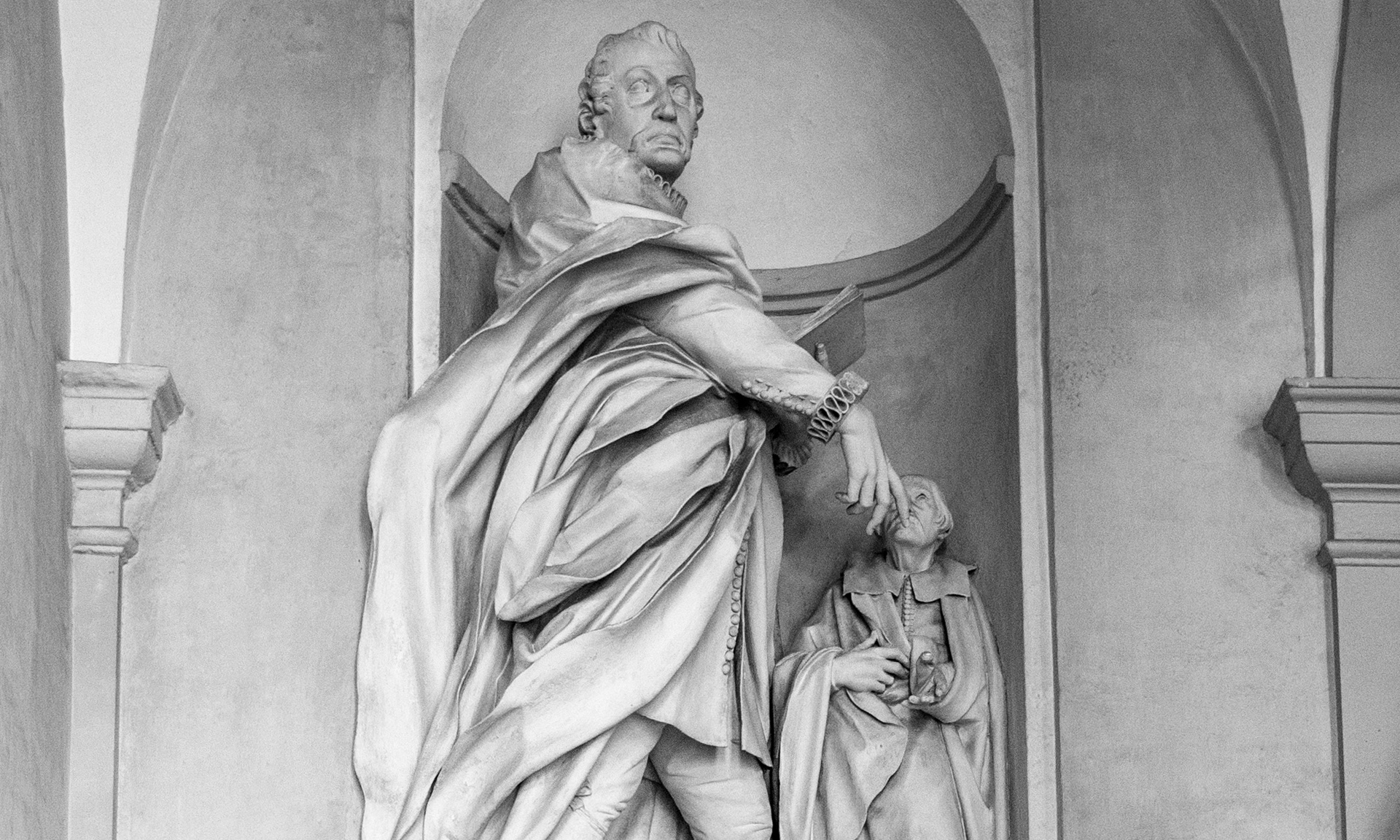 statue_giacomo-filippo-durazzo_01 - Albergo dei Poveri Genova