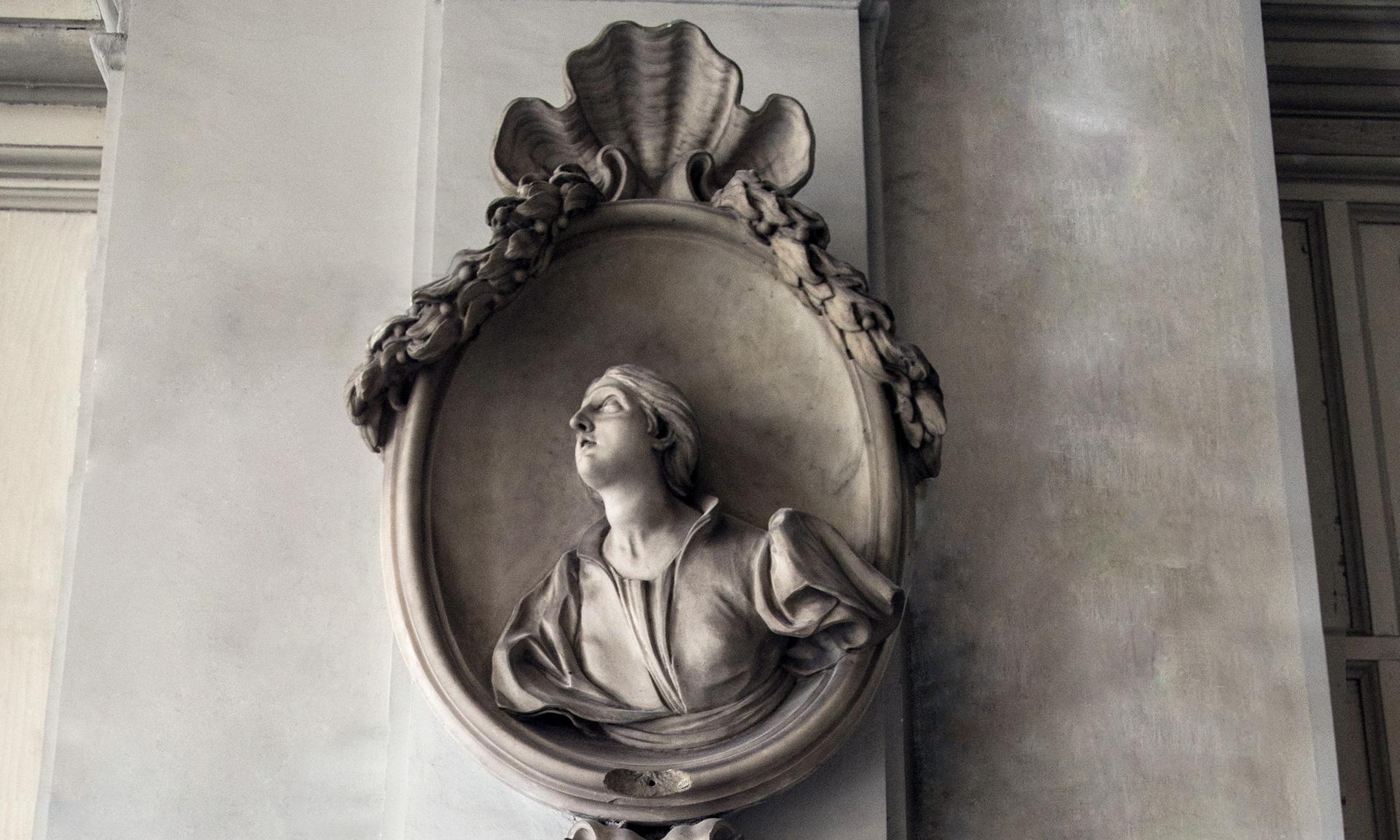 statue_lavinia-centuriona-grimaldae_01 - Albergo dei Poveri Genova