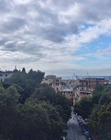Albergo dei Poveri di Genova, veduta esterna dalla facciata principale
